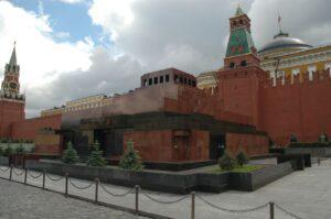 Lenin's mausoleum in Moscow (photo: longmandancer@btopenworld.com; CC BY-SA 2.0