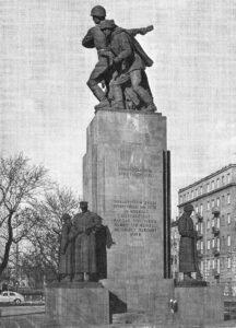 Monument to Brotherhood in Arms in Warsaw. In 2011, it was temporarily taken down (photo from 1970s; public domain