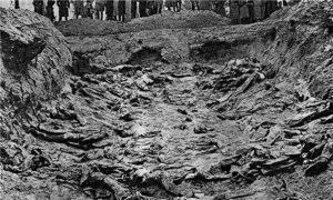 A mass grave at Katyn, 1943 (public domain)